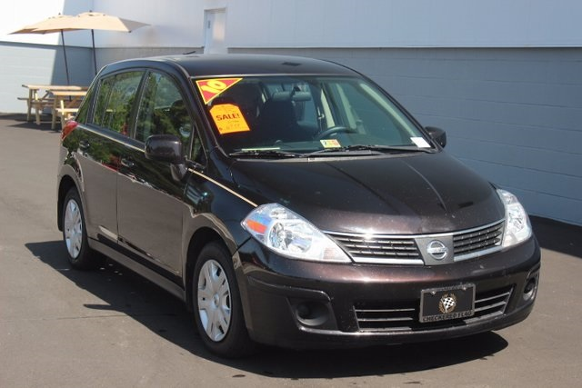 pre owned 2010 nissan versa 1 8 s 4d hatchback in norfolk. Black Bedroom Furniture Sets. Home Design Ideas